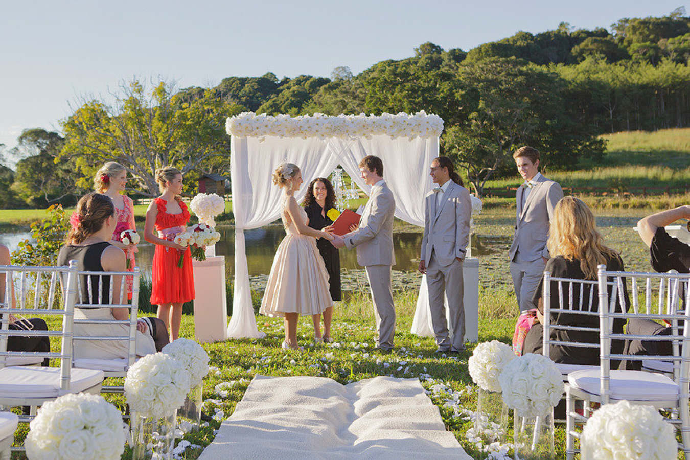 suzanne-riley-marriage-celebrant-sunshine-coast-Celebrant1