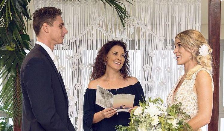 Suzanne-Riley-marriage-Celebrant