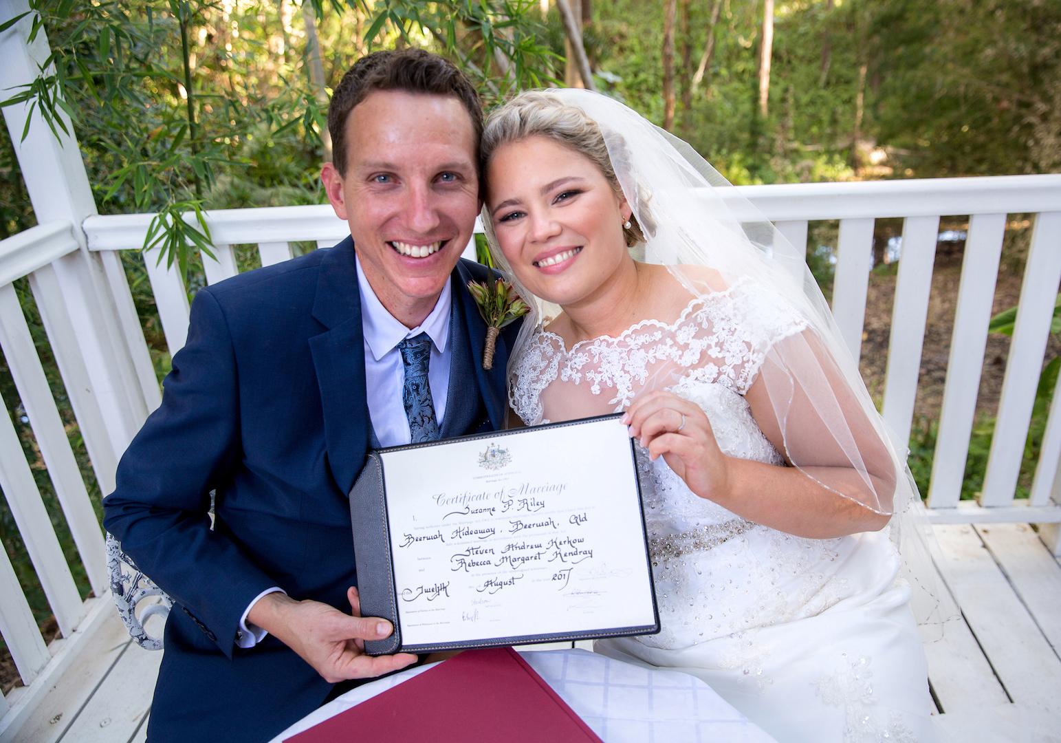 LO-res-marion-jonkers-photo-beerwah-hideaway-suzanne-riley-marriage-celebrant7